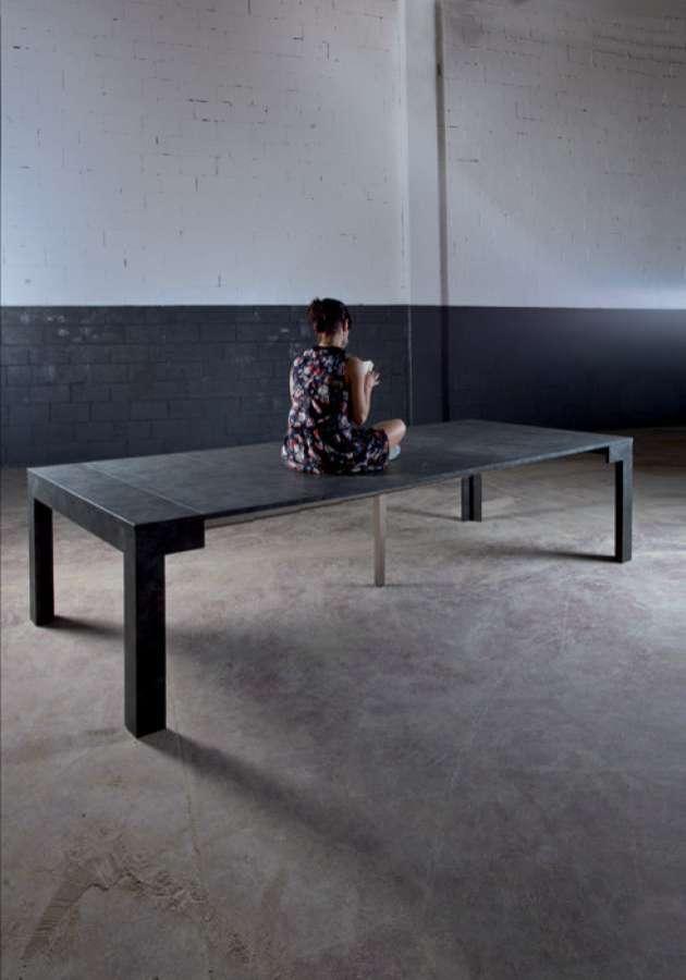 Surprise, il tavolo allungabile fino a 3 metri